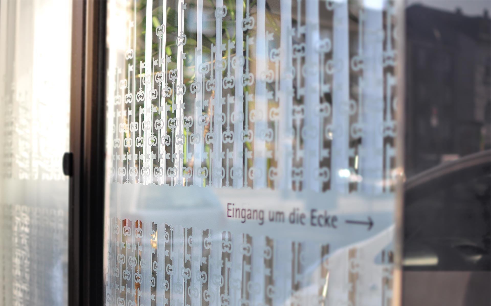 Schaufenstergestaltung für MeinHeim Immobilien