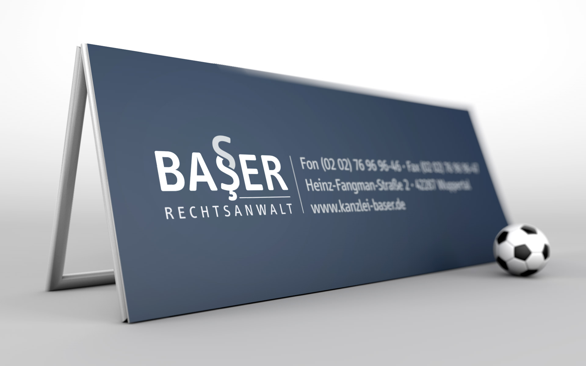 Bandenwerbung passend zum Corporate Design der Kanzlei Baser